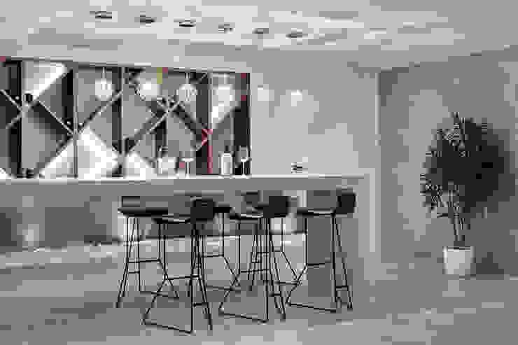 Номинация новаторство: интерьер дома от 300 м Modern Kitchen by Archiprofi Modern