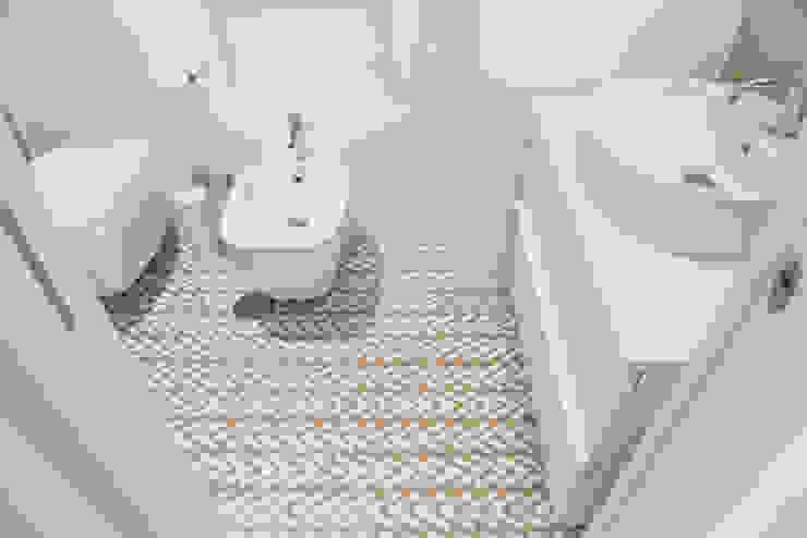 IL BAGNO ArchEnjoy Studio Bagno moderno Ceramica Bianco