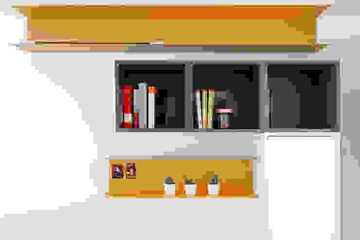 ArchEnjoy Studio Modern style bedroom Wood Multicolored