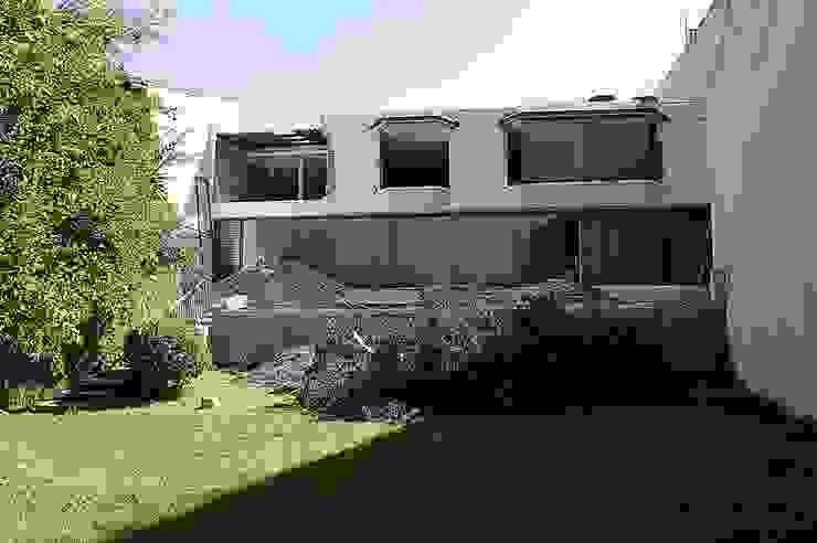Fachada exterior Casas modernas de homify Moderno
