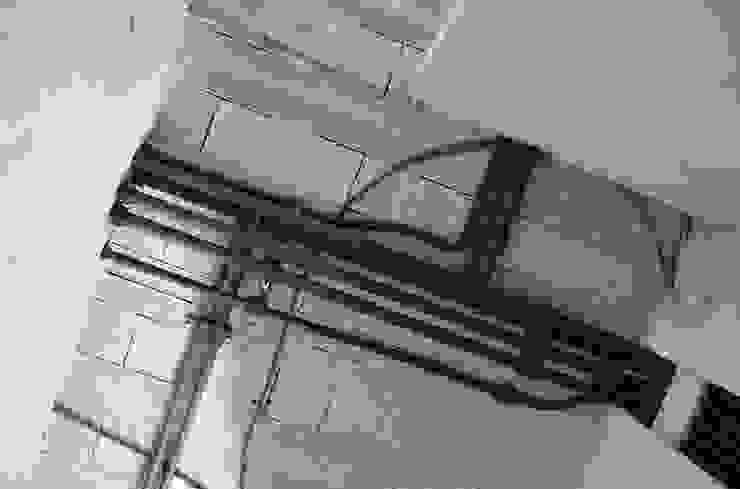 (2) Plumbing/canalizações (uma obra algures em Portugal) Casas de banho modernas por Dynamic444 Moderno