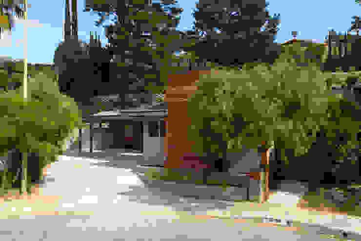 Casas modernas de Chibi Moku Architectural Films Moderno Concreto