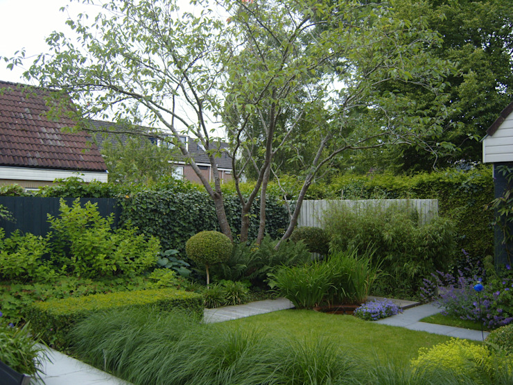 Modern style gardens by Joke Gerritsma Tuinontwerpen Modern