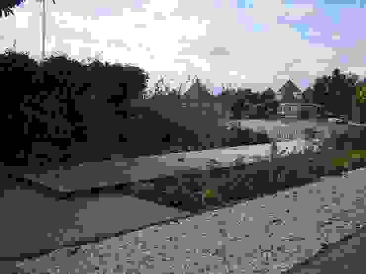Tuin aan het water Moderne tuinen van Joke Gerritsma Tuinontwerpen Modern