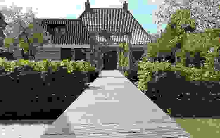 Country style gardens by Joke Gerritsma Tuinontwerpen Country Wood Wood effect