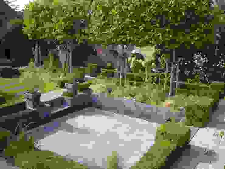 Modern style gardens by Joke Gerritsma Tuinontwerpen Modern Tiles
