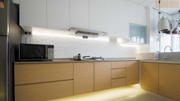 Potong Pasir Renovation:  Kitchen by Designer House,