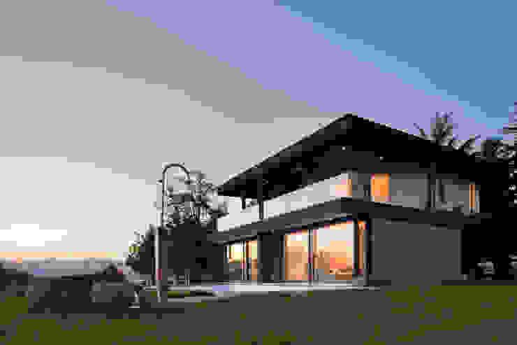 Дома в стиле модерн от iarchitects Модерн
