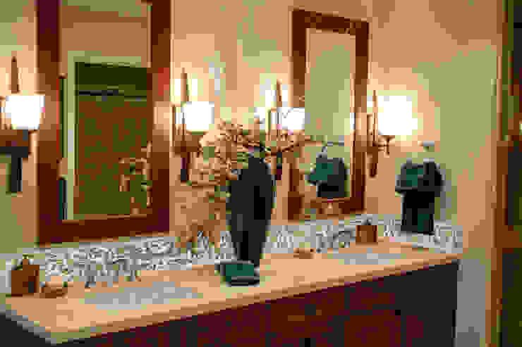 Baños de estilo moderno de Elalux Tile Moderno