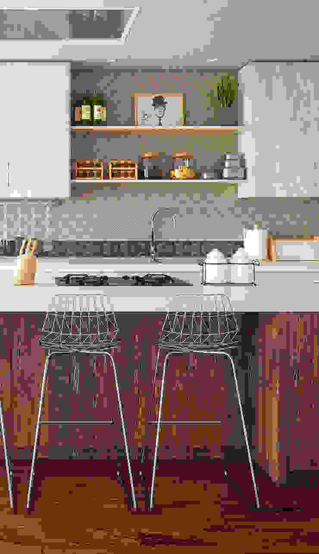 Cocinas de estilo moderno de Elalux Tile Moderno