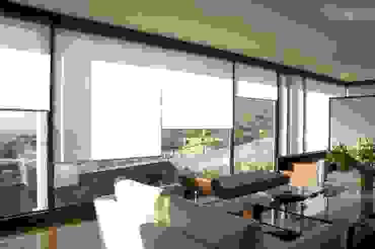 Limpieza de cortinas roller de DV arquitectura Clásico Sintético Marrón