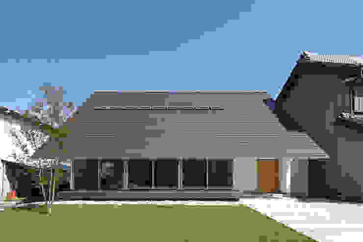 Casas modernas por 株式会社 空間建築-傳 Moderno