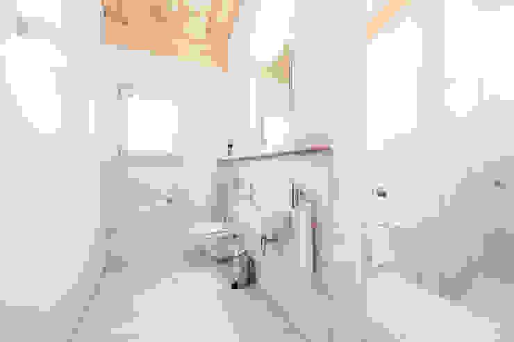Projekty,  Łazienka zaprojektowane przez Mood Interieur, Rustykalny Ceramiczny
