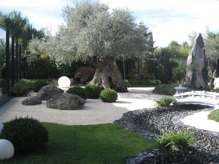 Jardín Sostenible: Jardines de estilo  de TERESA JARA - ESTUDIO DE PAISAJISMO