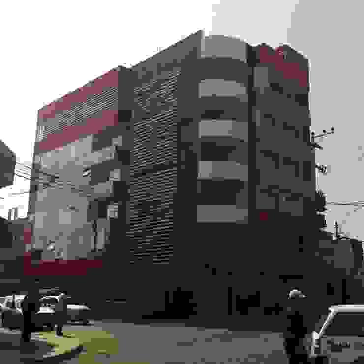 Diseño Integral y Construcción S.A.C. Hôtels modernes Aluminium/Zinc Rouge