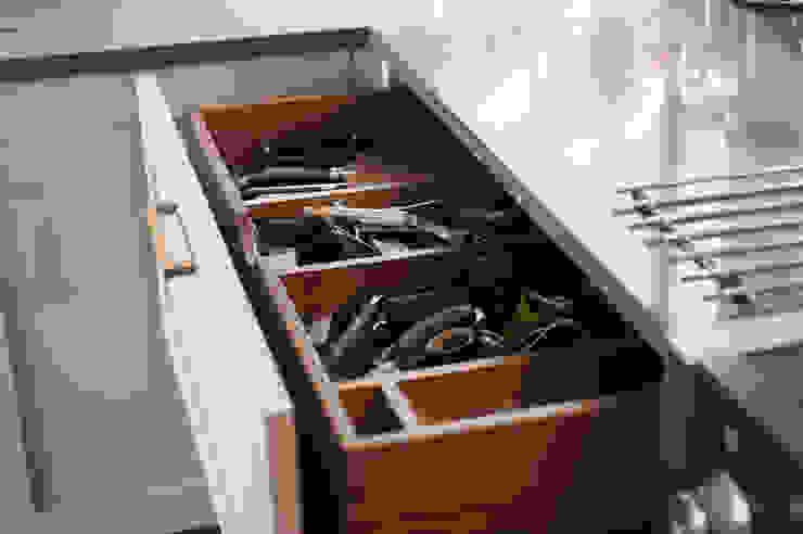 Eco Kitchen Modern kitchen by George Robinson Kitchens Modern