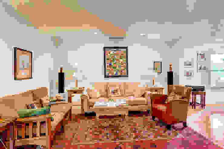 Livings de estilo clásico de Studio Design LLC Clásico
