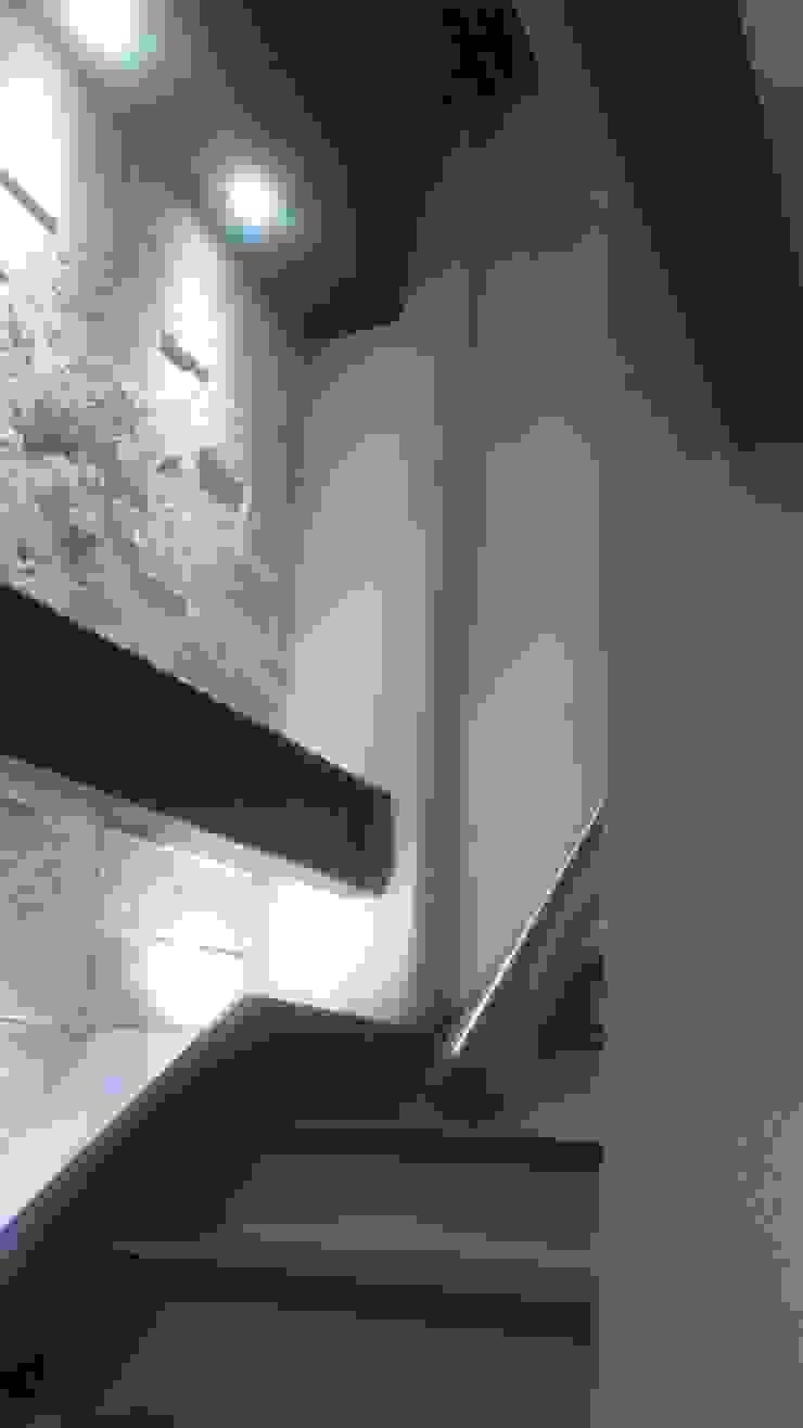 CIRCULACION VERICAL Estudios y despachos modernos de DISEÑO APLICADO AVANZADO DE GUADALAJARA 2 Moderno