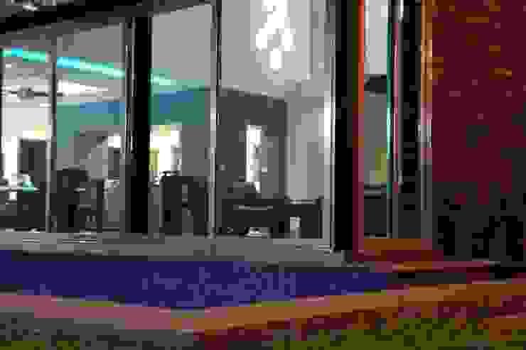 CASA BALLENA Casas minimalistas de DISEÑO APLICADO AVANZADO DE GUADALAJARA 2 Minimalista Vidrio