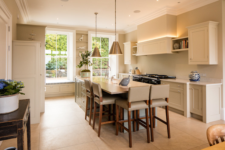 مطبخ تنفيذ Des Ewing Residential Architects, كلاسيكي
