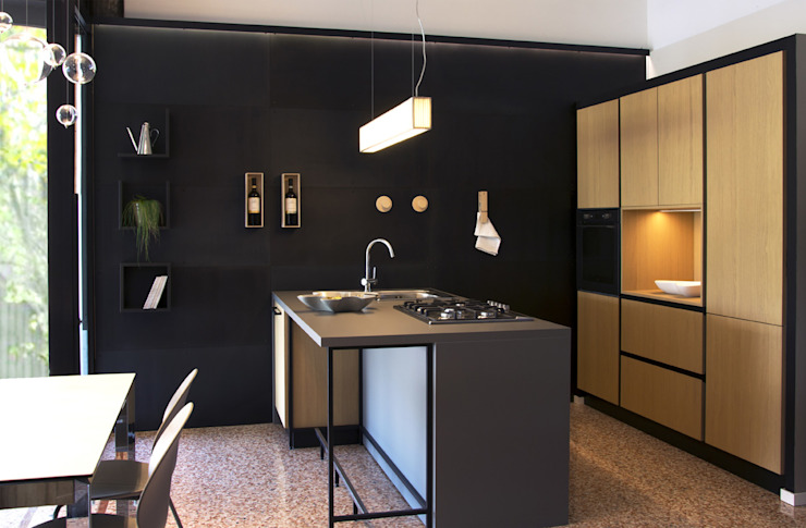 Wall with natural iron sheets and magnetic accessories Ronda Design Industrial style kitchen Metal Black