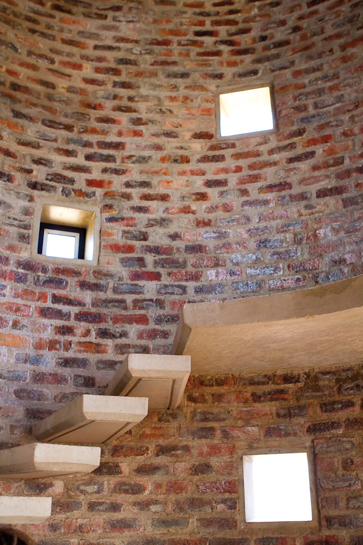 Barn House - Silo staircase Country style corridor, hallway& stairs by Strey Architects Country Bricks