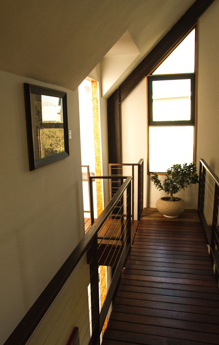 Barn House - Bridge Country style corridor, hallway& stairs by Strey Architects Country Wood Wood effect