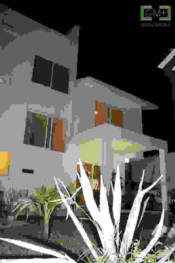 Residencia <q>RM-07</q> Casas modernas de [GM+] Arquitectos Moderno