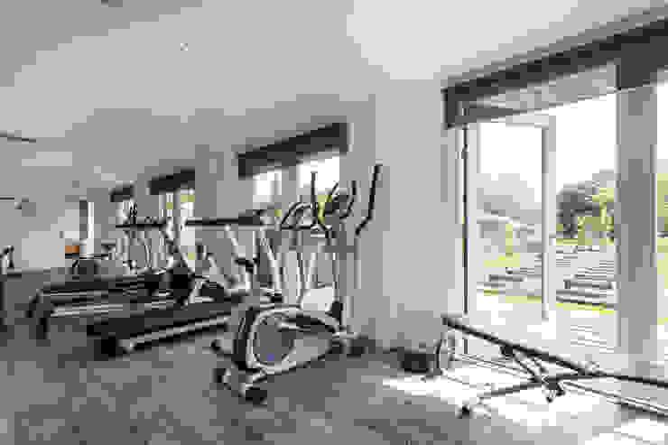 Fitnessruimte Moderne fitnessruimtes van Bob Romijnders Architectuur + Interieur Modern