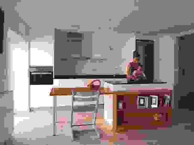 Reforma integral de piso en Opera Cocinas de estilo moderno de Reformmia Moderno
