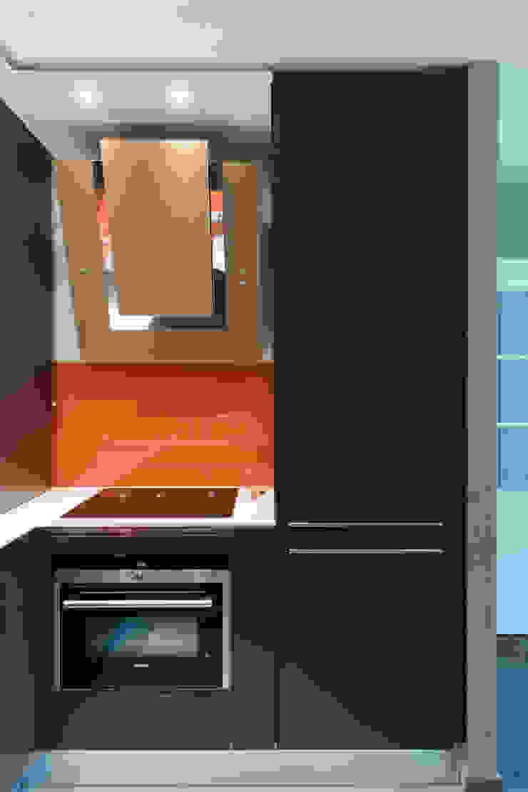 LA CUISINE DANS LE BAIN SK CONCEPT KitchenCabinets & shelves