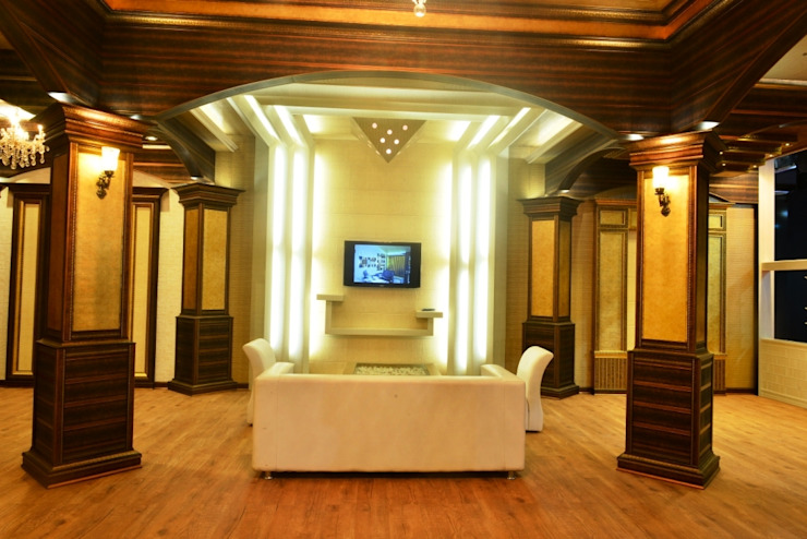 TV Area: colonial  by MARIA DECOR,Colonial