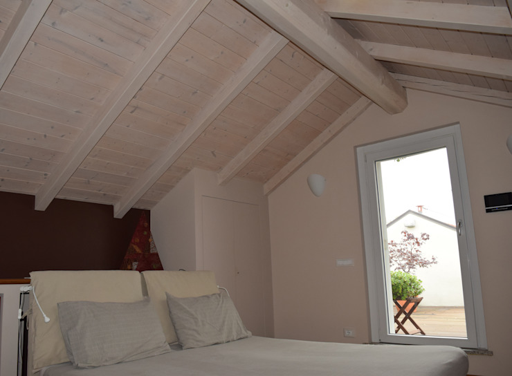 Modern style bedroom by Fabio Ricchezza architetto Modern Wood Wood effect