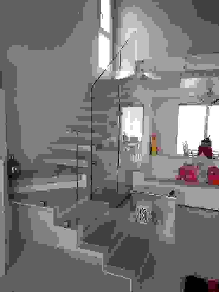 Forme snc. Modern houses Glass White
