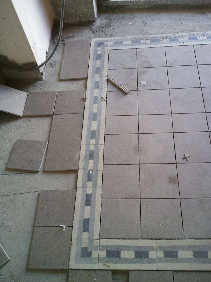 Schemi di posa pavimentazione Ingresso, Corridoio & Scale in stile classico di Fabio Ricchezza architetto Classico
