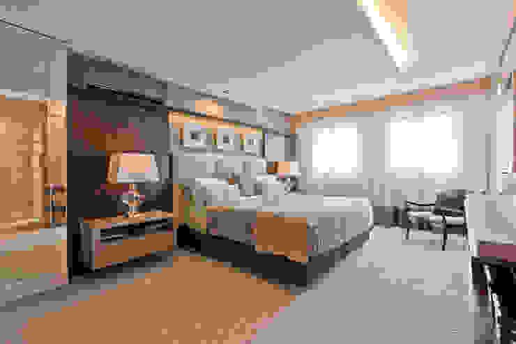 Studio Leonardo Muller Modern style bedroom