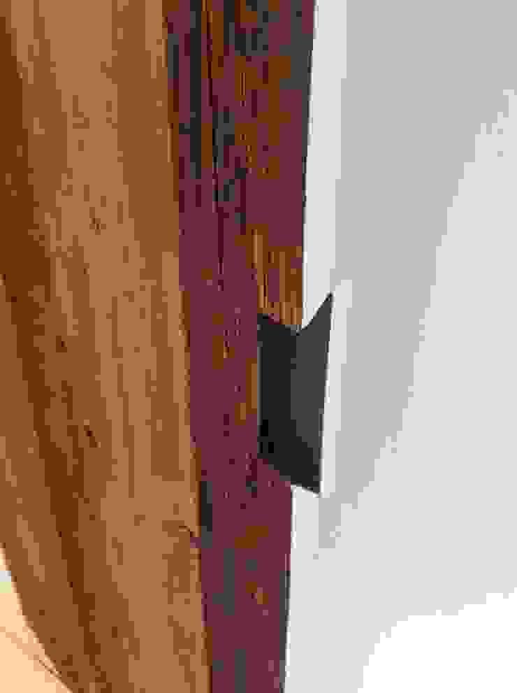Stones Farm Bedroom door - handle detail My-Studio Ltd Country style bedroom Wood Grey