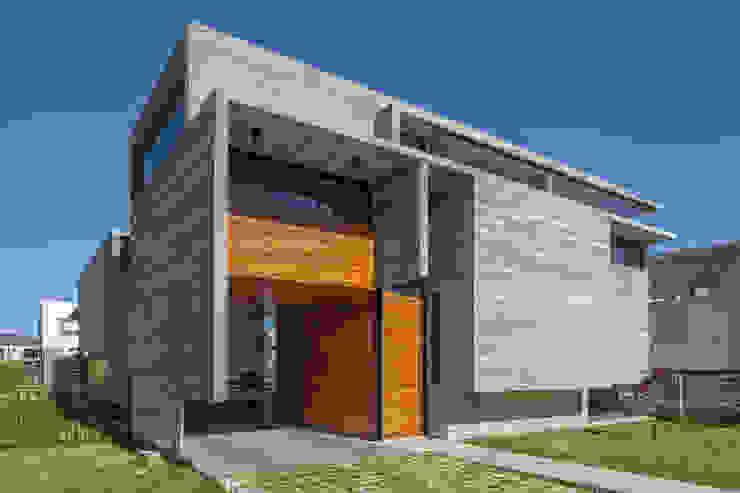 Casa Berazategui Casas modernas: Ideas, imágenes y decoración de Besonías Almeida arquitectos Moderno Hormigón
