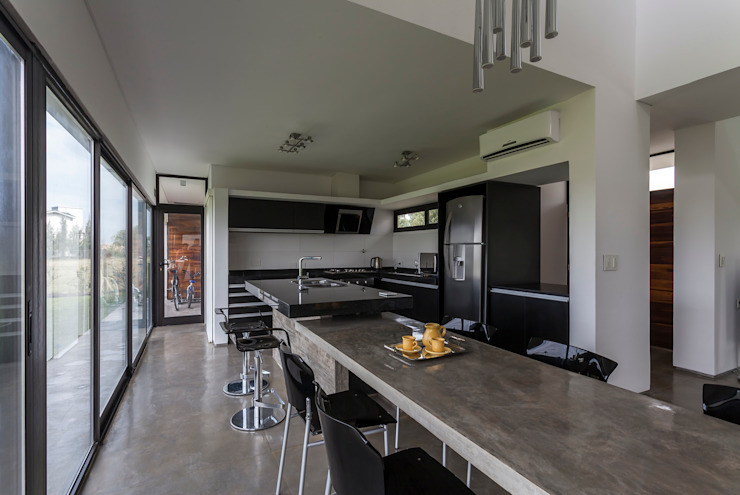 Dapur Modern Oleh Besonías Almeida arquitectos Modern Beton