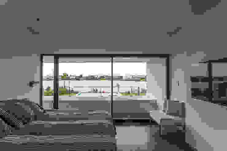Modern Bedroom by Besonías Almeida arquitectos Modern Concrete