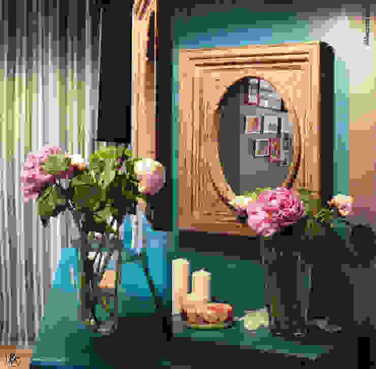 Koridor & Tangga Klasik Oleh LD&CO.Paris 'La Demoiselle et la Caisse à Outils' Klasik Kayu Wood effect