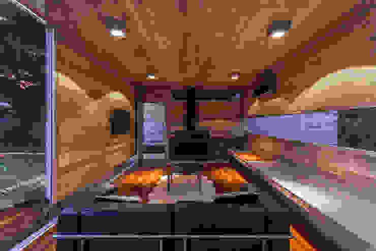 Paredes de estilo  por Besonías Almeida arquitectos
