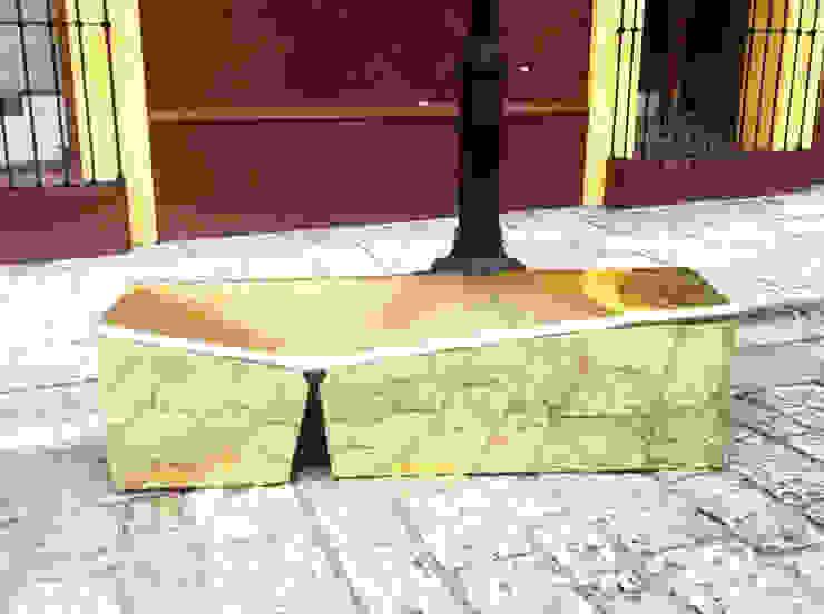 Bench for Falling in Love. Juan Carlos Loyo Arquitectura JardínMobiliario Hierro/Acero Ámbar/Dorado