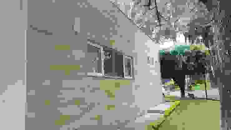 Obra Rnacho Contento, Guadalajara Jalisco Casas modernas de amieva cristalum Moderno Plástico