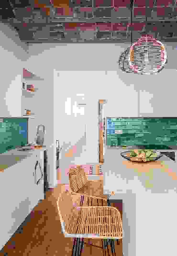Napoles Bloomint design Cocinas de estilo mediterráneo Azulejos Turquesa