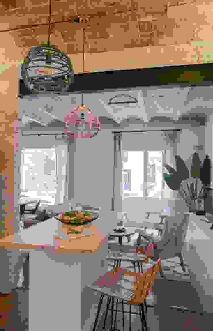 Napoles Bloomint design Cocinas de estilo mediterráneo Multicolor