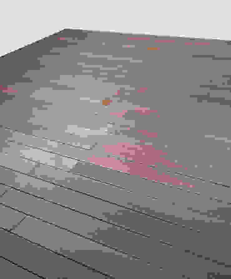 Fabio Ricchezza architetto Modern Terrace Solid Wood Brown