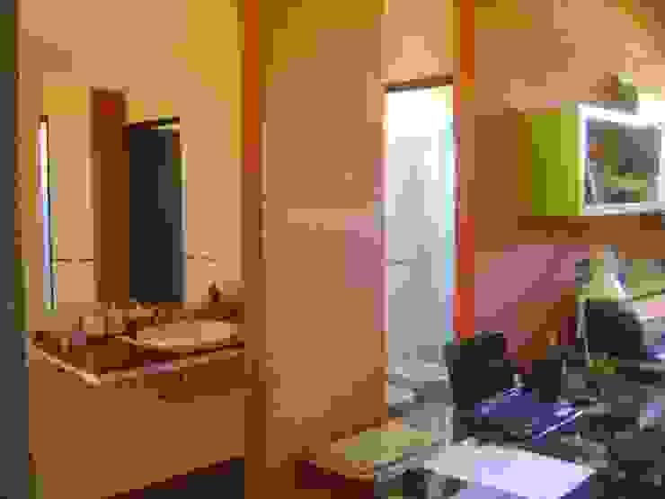 Ванная комната в стиле минимализм от Marcelo Manzán Arquitecto Минимализм