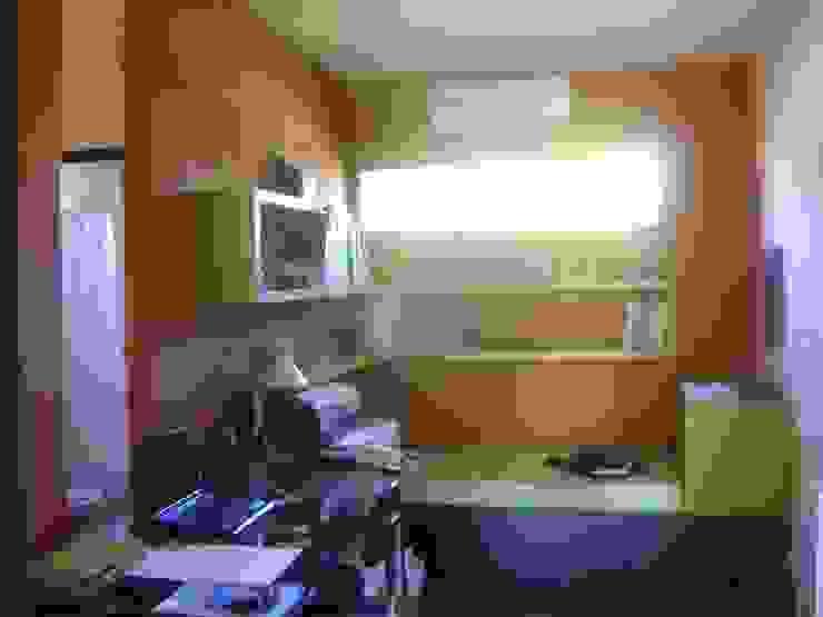 Рабочий кабинет в стиле минимализм от Marcelo Manzán Arquitecto Минимализм