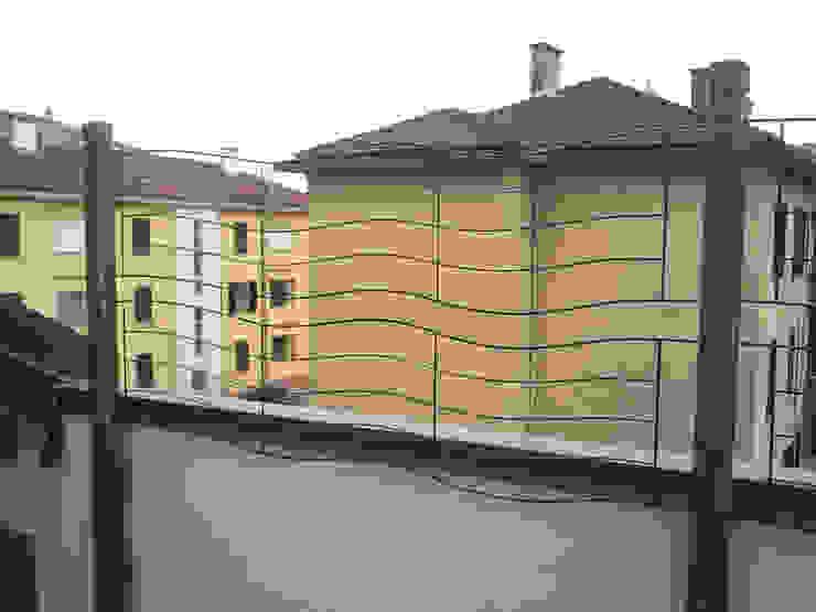 Struttura per rampicanti Fabio Ricchezza architetto Giardino moderno Legno